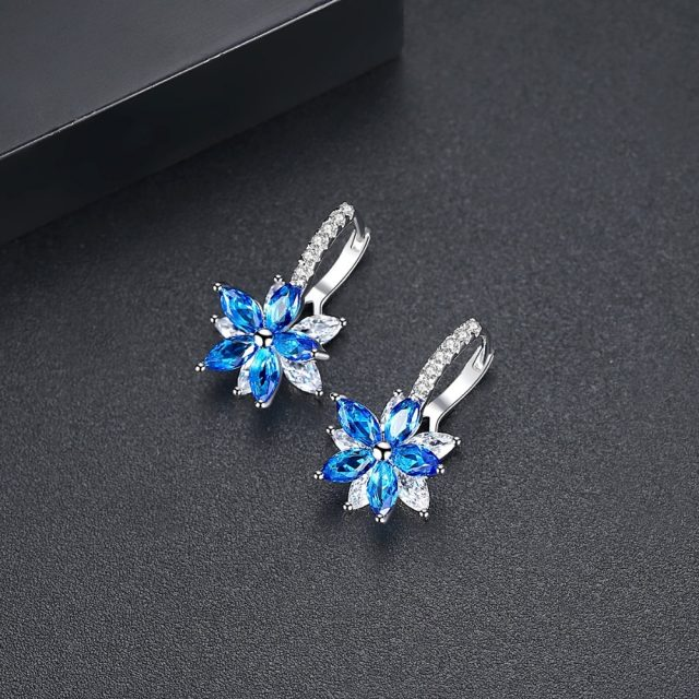 Women's Silver Plated Flower Shaped Earrings